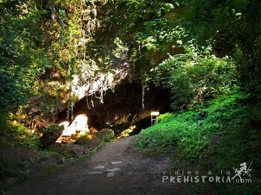 Cueva del Valle (Cantabria)