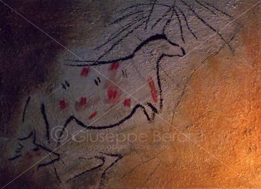 yegua preñada cueva de la pileta